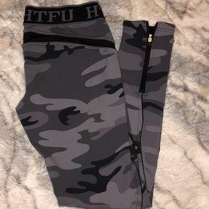 HTFU Camo 7/8 leggings sz medium